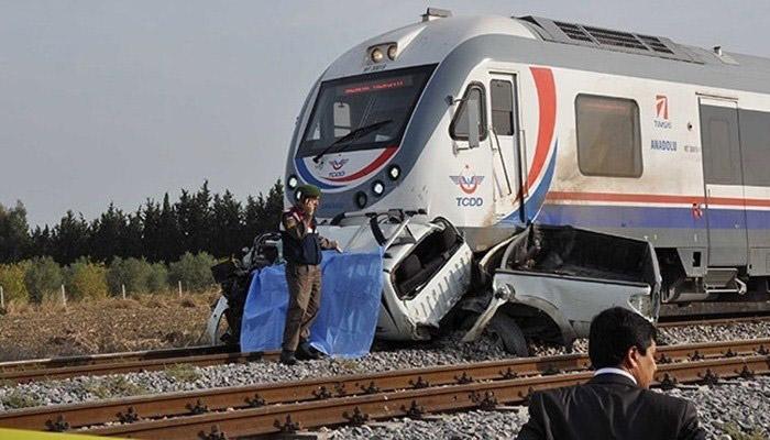 Resim 7: 06.11.2013'de Tarsus yakınları hemzemin geçit kazası(8) .